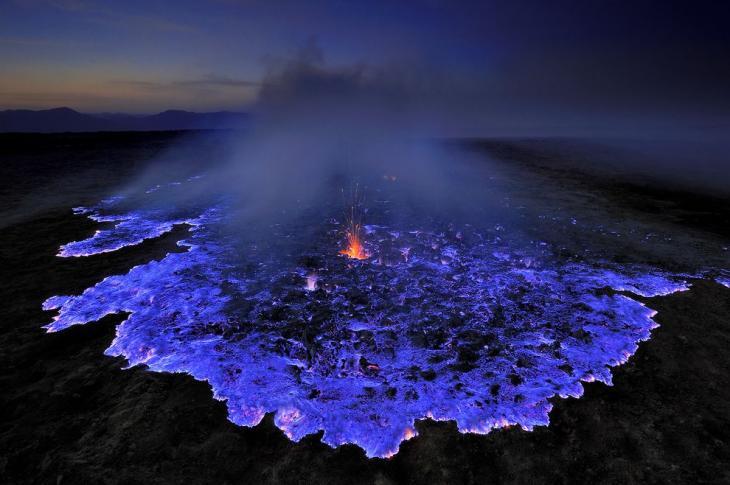 volcan-lava-azul