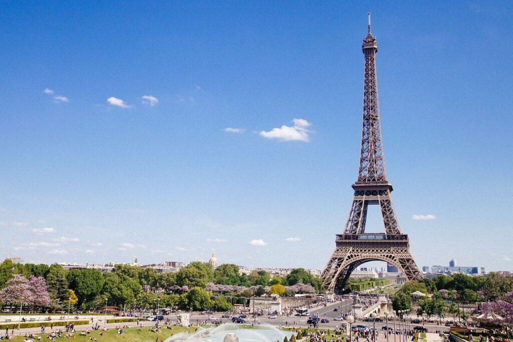 viajar a la torre Eiffel